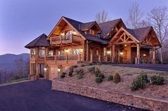 Montana Log Homes:: The Handcrafted Alternative! Okay this house will do just fine ohhh yaaa Log Cabin Living, Log Cabin Homes, Log Cabins, Log Home Decorating, Timber House, Cabins And Cottages, Cabins In The Woods, House Goals, My Dream Home