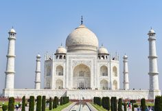 Taj Mahal: Epitome of Love and Craftsmanship