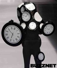 Weird & Wacky Fashion: This Clock Outfit
