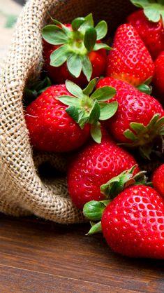 Fruits Photos, Fruits Images, Fruit Love, Red Fruit, Photo Fruit, Burfi Recipe, Party Food Platters, Eat Happy, Fruit Photography