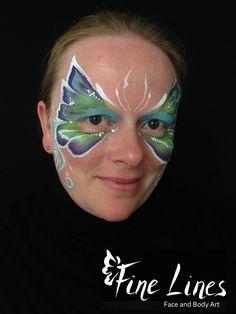 Schmetterling / Butterfly.  Fine Lines Face and Body Art, Leipzig, Germany. Kinderschminken Leipzig, Face Painting Leipzig.  Body painting. Belly painting. Bauchbemalung.