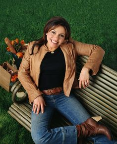 Rachael Ray - They say the way to a man's heart is through their stomach. Well maybe that is why she is my favorite female chef. She happens to be pretty cute too.