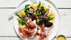 Lun salat med potet og spekeskinke Lunch, Fish, Summer, Summer Time, Eat Lunch, Pisces, Lunches