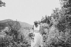 Handmade flower crown from Vienna. ❤ Exclusive custom made wedding crowns for brides ❤ Blumenkranz handgemacht in Wien anfertigen lassen. Flower Band, Flower Crown, Boho, Handmade Flowers, Beautiful Bride, Bridal, Design, Wedding, Floral Wreath