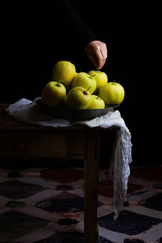 Apples / Raquel Carmona/