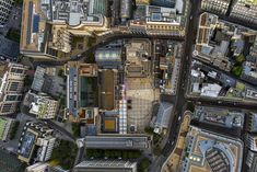 Last month, New Yorker andhigh-flyingfine artphotographer Jeffrey Milstein rented out a private helicopter to capture London in a jaw-dropping