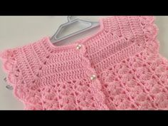 Crochet Baby Sweaters, Knitted Baby Clothes, Moda Crochet, Crochet Bebe, Baby Knitting Patterns, Hand Knitting, Christmas Tree Pattern, Baby Cardigan, Plexus Products