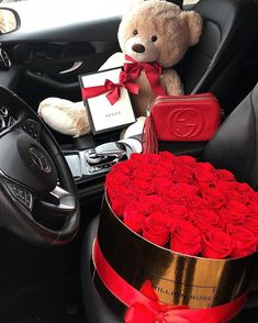 Luxury Lifestyle: 30 Most Exclusive and Unique Products You Must Have Wealthy Lifestyle, Luxury Lifestyle, Lifestyle Fashion, Lifestyle Blog, Cute Gifts, Diy Gifts, Rosen Box, Birthday Goals, Romantic Surprise