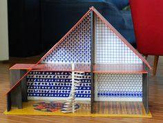 lovely dollhouse with patterns inside :)