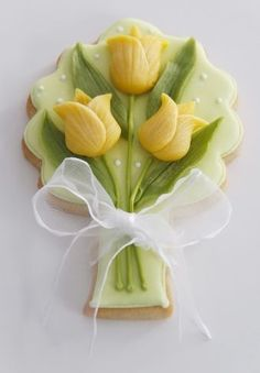 Spring Cookies by catrulz Fancy Cookies, Iced Cookies, Cute Cookies, Easter Cookies, Royal Icing Cookies, Cookies Et Biscuits, Cupcake Cookies, Sugar Cookies, Cookie Favors