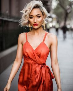 Micha gianneli, short hair, lob, Bob, wavy, blond