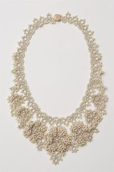 Such a beautifully delicate necklace!