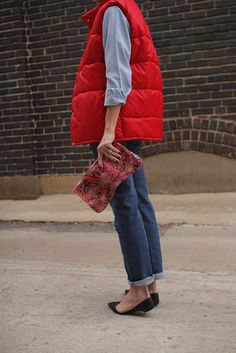 I Need a red vest Red Puffer Vest, Red Vest, Vest Outfits For Women, Clothes For Women, Warm Outfits, Cool Outfits, Puffy Vest Outfit, Quirky Fashion, Jean Shirts