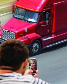 """""""Cómo los camioneros pueden mantener sus relaciones amorosas a distancia"""" http://eltraileromagazine.com/es/cmo-los-camioneros-pueden-mantener-sus-relaciones-amorosas-a-distancia?utm_content=buffer3fa48&utm_medium=social&utm_source=pinterest.com&utm_campaign=buffer"""