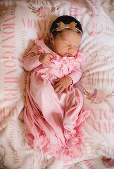 Personnalisé Reine est arrivé Naissance Annonce Babygrow set Hospital Outfit