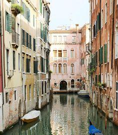 Venice dreaming. #bloglovintravels #ad @bloglovin @bloglovin_travel