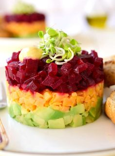 Beet and Sweet Potato Tartare. Beet Sweet Potato and Avocado Tartare is an attractive vegan and gluten-free appetizer. Colorful cheap and easy to make. Beet Recipes Healthy, Vegan Recipes, Cooking Recipes, Tartare Recipe, Gluten Free Appetizers, Vegetable Seasoning, Mets, Light Recipes, Clean Eating Snacks