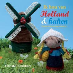 Rembrandt, Frau Antje, een Delfts blauw stelletje, Koning Willem-Alexander en Koningin Máxima… Ze staan allemaal in dit originele nieuwe haakboek van Christel Krukkert. De leukste Hollandse s…