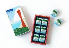 マッチ箱のようなレトロなパッケージが可愛い!兵庫県・コンディトライ神戸の「神戸メルスィーユ」|haconiwa|「世の中のクリエイティブを見つける、届ける」WEBマガジン Graphic Artwork, Poster Ads