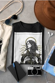 Tumblr aesthetic outfit with a T-shirt portraying Yennefer - famous sorceress from the Witcher universe. Originally hand-drawn illustration by Nox Benedicta. Available on Etsy! #yennefer #yenneferofvengerberg yennefer of vengerberg | yennefer and geralt | alternative fashion | indie outfits | soft grunge | tumblr t-shirt