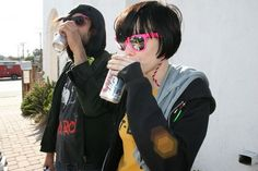 Crystal Castles' Alice Glass & Ethan Kath sharing a brew