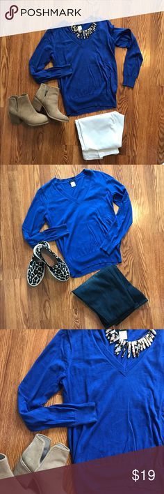 J.Crew 💯 Cotton Small Royal Blue Sweater Shown styled two different ways, but the possibilities are endless. Soft 100 percent cotton and the prettiest blue! Would be great also for game days if you team has blue! No pilling. 25 inches long. J. Crew Sweaters V-Necks