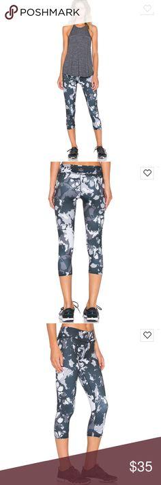 Beyond Yoga shadow Capri leggings sz large Gently used  These are their lux Capri leggings  No trades Beyond Yoga Pants Leggings