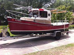 Tug Jobs, Sailboat Art, Runabout Boat, Salt And Water, Boat Building, Fishing Boats, Yachts, Interesting Stuff, Recreational Vehicles
