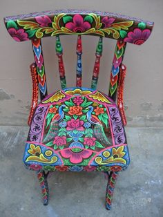 Ideas Funky Painted Furniture Boho Folk Art For 2019 Hand Painted Chairs, Funky Painted Furniture, Cool Furniture, Furniture Design, Painted Dressers, Painted Tables, Decoupage Furniture, Colorful Furniture, Painted Wood