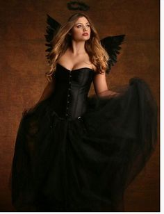 Fallen Angel - Hips and Curves