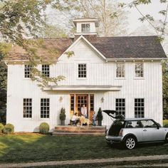 Modern farmhouse perfection!!!! Love the Mini Cooper too!  #modernfarmhouse #farmhouse  #architecture #classic #minicooper