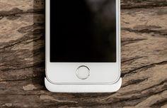 Cabin – еще один простой способ держать заряд батареи iPhone под контролем | Вся информация о продуктах Apple. Обзор Cabin - портативное устройство для зарядки iPhone.