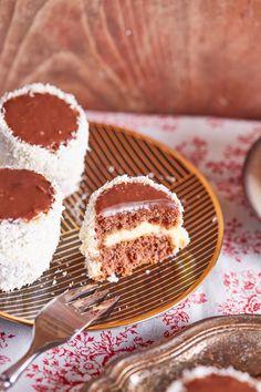 Szuperfinom hólabda | Street Kitchen Cake Cookies, Fudge, Tiramisu, Biscuits, Deserts, Dessert Recipes, Food And Drink, Coconut, Sweets
