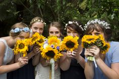 Sunflower bouquets. Laura Biven Photography.