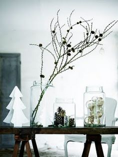 Get into the holiday spirit with these beautiful Scandinavian Christmas inspiration ideas. Modern Christmas Decor, Noel Christmas, Christmas Fashion, Scandinavian Christmas, Simple Christmas, Winter Christmas, Christmas Lights, Scandinavian Style, Christmas Design
