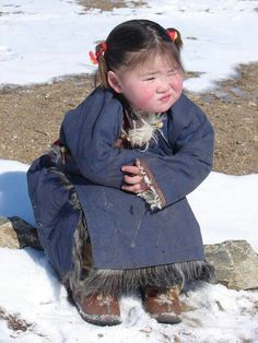 Mongolian little girl. Precious Children, Beautiful Children, Beautiful Babies, Beautiful People, Kids Around The World, We Are The World, People Around The World, Little People, Little Ones