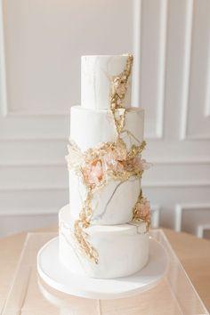 Luxury Wedding Decor, Glamorous Wedding, Wedding Cake Inspiration, Elopement Inspiration, Wedding Ideas, Beautiful Wedding Cakes, Dream Wedding, Wedding Desserts, Geode Wedding Cakes