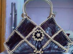EL YAPIMI DERİ CANTA MODELİ - sudehobi - Blogcu.com Leather Tutorial, Crochet Top, Crochet Bags, Comfy, Shoulder Bag, Handbags, Sewing, Knitting, Pattern