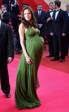 Angelina Jolie- with Twins Stylish Maternity, Maternity Wear, Maternity Fashion, Maternity Dresses, Pregnant Dresses, Pregnancy Fashion, Maternity Style, Pregnant Celebrities, Famous Celebrities