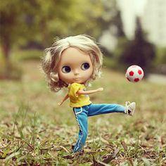 #blythe #blythedoll #football - @_cacala_- #webstagram