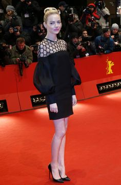 emma stone. always impeccable red carpet style.