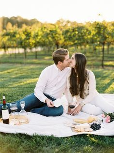 Childress Vineyards Picnic Engagement Photo Session by Perry Vaile for Simply…