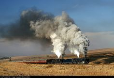 Net Photo: Class No 3016 South African Railways Steam at Fouriesburg, South Africa by David Benn South African Railways, Photo Class, Old Trains, Train Journey, Steam Engine, Steam Locomotive, Train Tracks, Diesel Engine, Planes