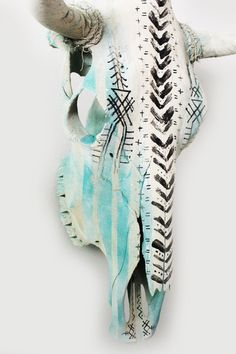 HAND PAINTED COW SKULL BY ARTIST NATHAN KOSTECHKO Perfect for home decor, weddings or events. one-of-a-kind This genuine cow skull. Large skull Dimension: range