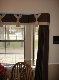 cornice-board-designs-Spaces-with-bay-window-brown-Cornice.jpg (742×990)                                                                                                                                                                                 Más