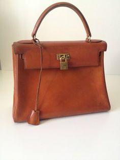 Hermes Veau Kelly 28cm Gold Box Leather Shoulder Bag $4,025