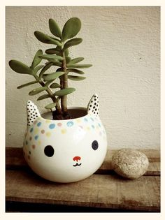 CAT POT from mirubrugmann on Etsy. Saved to This Stuff + My House = Homebody. #pot #planter #cat #ceramic.