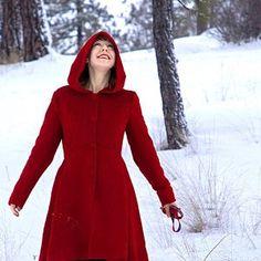Loose dress A set of Gray chiffon dress with maxi skirt Hooded Wool Coat, Red Wool Coat, Wool Cape, Cape Coat, Winter Coats Women, Coats For Women, Wine Red Dress, Linen Pants Women, Winter Skirt