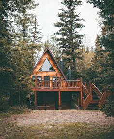 Tiny House Cabin, Cabin Homes, Cabins In The Woods, House In The Woods, A Frame House Plans, Forest House, Cabins And Cottages, Cabin Design, Cozy Cabin