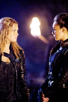 "Clarke and Lexa in 2x14 ""Bodyguard of Lies"" I can't believe what happened between them, BUT I TOTALLY SHIP IT #Clexa"